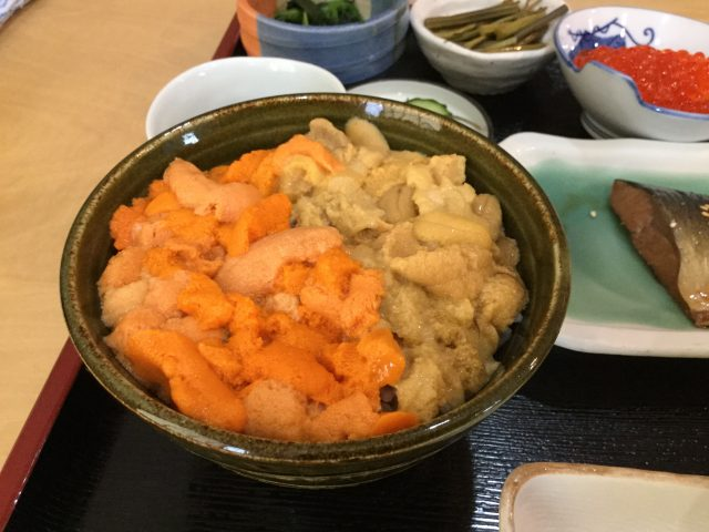 ウニ2色丼